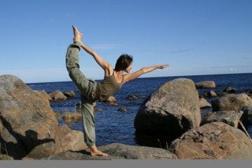 Ashtangayoga är en av de mest fysiskt krävande yogaformerna.