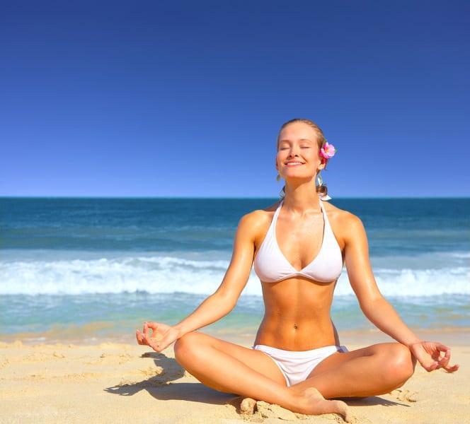 Yoga på stranden.