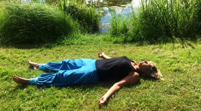 Yoga för dig som har svårt att sova