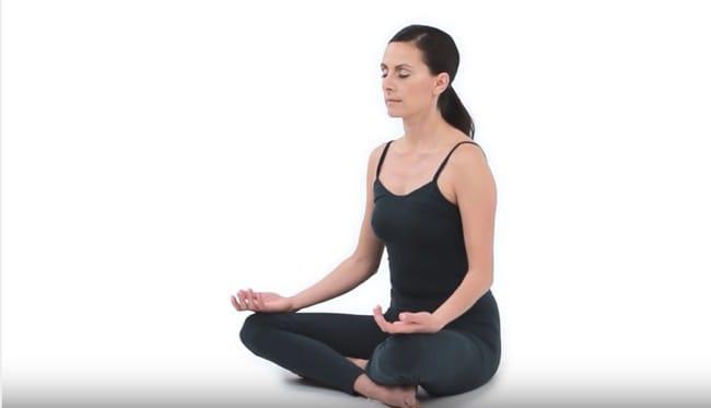 Enkla yogaövningar för rygg och nacke