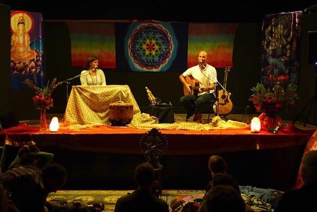 Mantra musik med Sacred Earth på Mundekulla