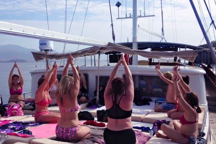 Bild från yogaresan som Anette ordnar varje år.