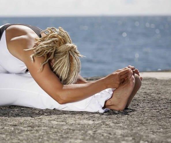 Veckans yogalärare Jona Dahlquist