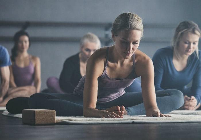 HiYoga öppnar första yogastudion i Sverige