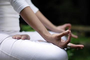 Yoga kan spara miljarder åt samhället varje år