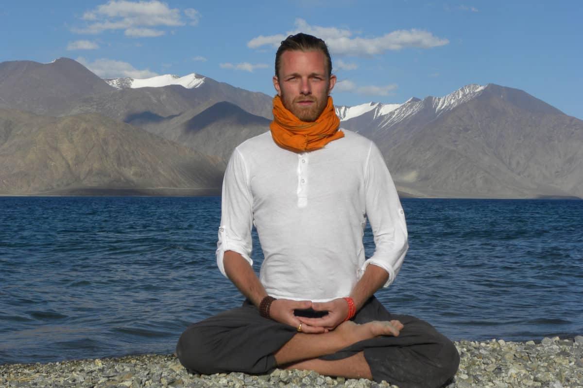 Om Mokshananda mediterar i Himalaya