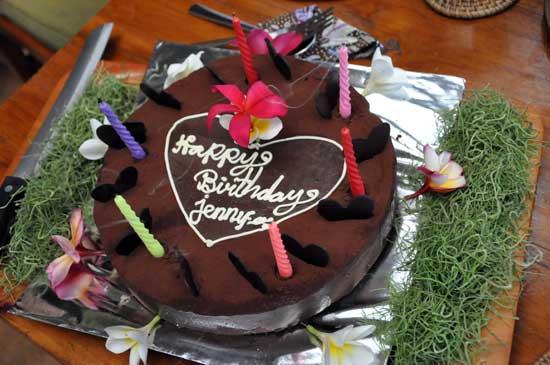 Fantastisk god chokladtårta för att fira födelsedagen för en av deltagarna