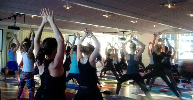 Yogaklass på Yoga Games i Stockholm