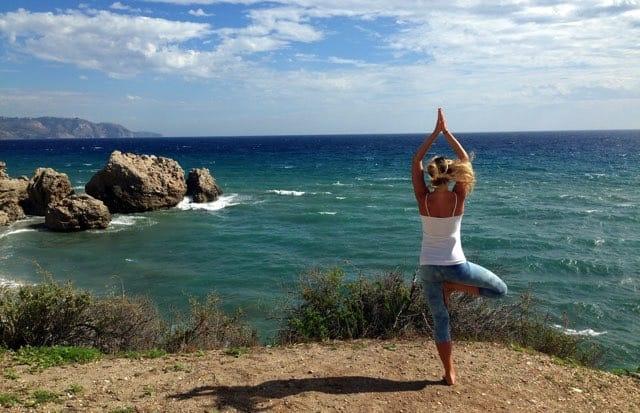 Yogapositionen Trädet – Vrkasana