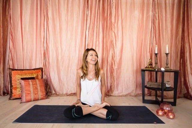Veckans yogalärare Camilla Bergström. Foto: Vegafoto