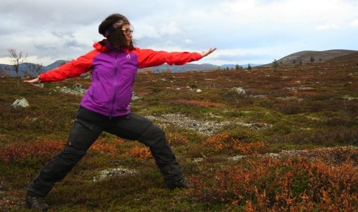 Angeliqa Mejstedt tar med sig yoga på vandringen