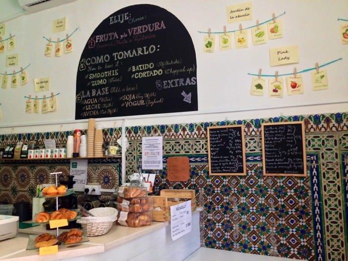 Underbar ekologisk sallad och juicer i Sevilla