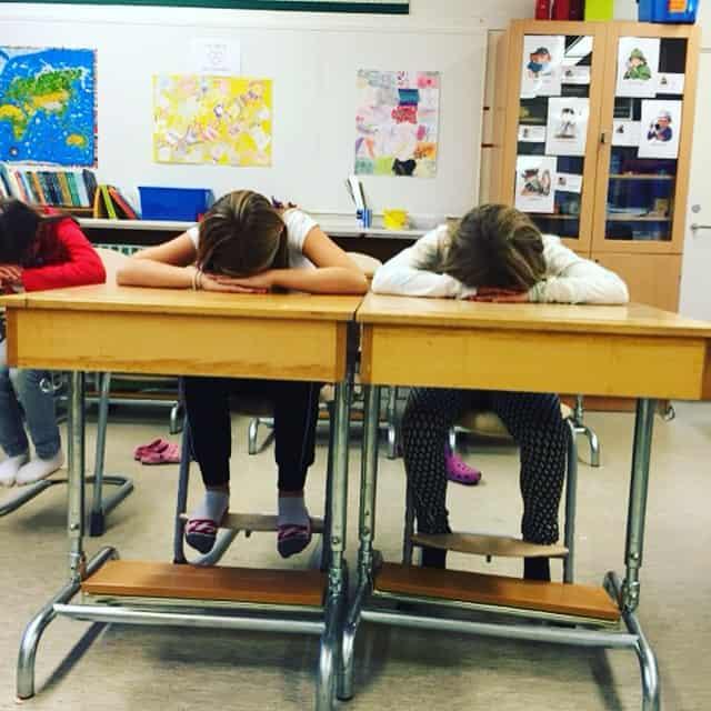 Därför behöver vi mer yoga i skolan