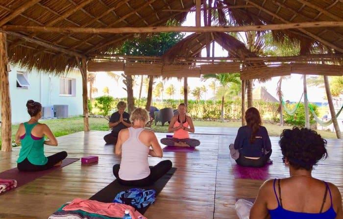 Yoga på Kuba med WinWin yoga.